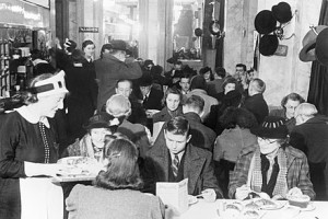 440px-Customers_enjoying_afternoon_tea_at_Lyon's_Corner_House_on_Coventry_Street,_London,_1942._D6573